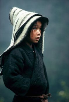 POrtrait of child in the High Himalaya, Nepal, by Eric Valli