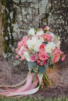 Coral Wedding Flowers....Garden Gate Floral-Orlando, Stephanie Gamble Photo
