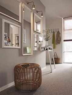 """Elegant für den Flur und Wohnbereich.  Wandfarbe """"Tundra 20"""": Caparol über den Fachhandel."""