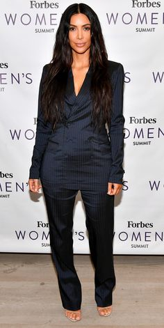 We're in love with Kim Kardashian West's look at the 2017 Forbes Women's Summit. She wore a perfectly tailored luxe sheen suit with just a pair of nude sandals for a minimalist glam look. Look Kim Kardashian, Kardashian Jenner, Kim Kardashian Blazer, Kardashian Family, Kardashian Kollection, Kylie Jenner, Moda Formal, Kim K Style, Weekly Outfits