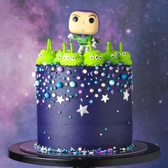Last week and I decided to collaborate together for a toy sto. - Last week and I decided to collaborate together for a toy story themed cake! Fête Toy Story, Bolo Toy Story, Toy Story Theme, Toy Story Party, Toy Story Alien, Toy Story Birthday Cake, 3rd Birthday, Birthday Ideas, Alien Cake