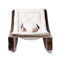 Babywippe Charlie Crane Levo in Gentle White und Gestell in Walnuss | Jetzt online kaufen ✓ Hochwertige Babywippe aus Holz ✓ Ab Geburt ✓ Versandkostenfrei!