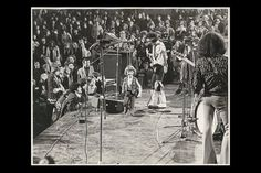 There is one particular photo that is going around the internet and is bringing up some questions. It is a photo of Jimi Hendrix and his band performing at a concert, with a little boy running across the stage.