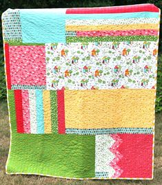 """Whip-stitch.com Organic Acorns Quilt.... """"using giant chunks and smaller chunks and seeing what happened. If a piece was too short, I added a bit; if it was too long, I lopped it of..."""