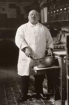 August Sander (1876-1964), da Antlitz der Zeit: Capo pasticcere