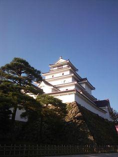 鶴ヶ城 Japanese Castle, Fukushima, Japanese Architecture, Still Standing, Shiro, Castles, Landscapes, Bullet Journal, Mansions