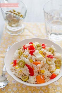 Ensalada de arroz, las mejores recetas - Tax Tutorial and Ideas Deli Food, A Food, Food And Drink, Veggie Recipes, Cooking Recipes, Healthy Recipes, Crudite, Rice Dishes, Healthy Foods To Eat