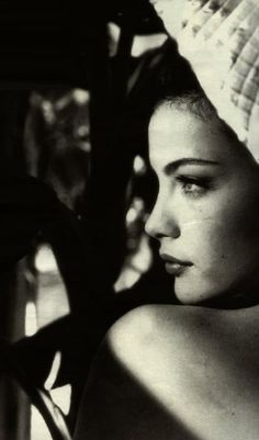 Liv Tyler in black and white