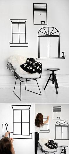 黒のシンプルなマスキングテープを使って、お部屋に新しい窓を!自由に絵を書いている感覚で作ってみてください。