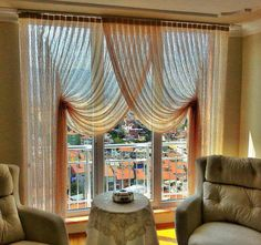 Photos at Essa Perde - 5 tips from 23 visitors Drapes And Blinds, Blinds For Windows, Drapes Curtains, Curtains Living, Rideaux Design, Elegant Curtains, Custom Window Treatments, Curtain Designs, Cozy House