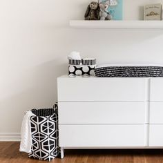Black & White Nursery Ideas: loving this modern black and white nursery hamper. Perfect for keeping toys, dirty laundry or just a stylish catch all to keep the nursery tidy with carrying handles for easy toting around the house! Nursery Inspiration, Nursery Ideas, Nursery Decor, Black White Nursery, House Made, Nursery Design, Hamper, Laundry, Black And White