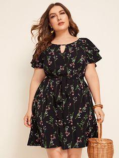 Preto Corte Fora Floral Boho Vestido de Tamanho Grande | SHEIN Plus Size Summer Dresses, Plus Dresses, Plus Size Outfits, Casual Dresses, Belted Dress, The Dress, Plus Size Blog, Dress Outfits, Fashion Dresses