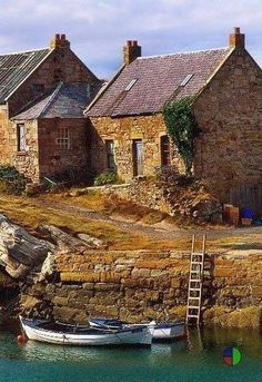 Scotland - oh how I could live right there by the water. It looks so rustic and peaceful. <3