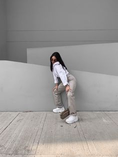 Instagram Pose, Instagram Feed, Tmblr Girl, Mode Outfits, Fashion Outfits, Femininity, Pretty Outfits, Holi, Cool Photos