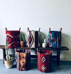 - Western Home Decor Living Room Southwest Home Decor, Southwestern Decorating, Southwest Style, Southwest Bedroom, Native American Decor, Western Homes, Interiores Design, Decoration, Sweet Home
