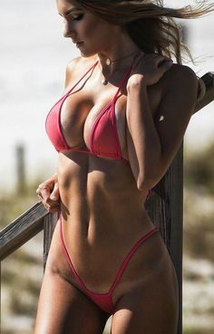 Attractive Women in Swimsuits