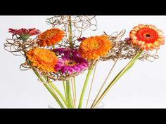 Frame Bouquet Idea by Nelleke Bontje Art Floral, Flower Arrangement, Floral Arrangements, Flower Structure, Gerbera Daisies, Chrysanthemum, String Art, Flower Making, Flower Decorations