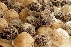 Jablečné kuličky s ovesnými vločkami a kokosem. Autor: Romča Dessert Recipes, Desserts, Healthy Cooking, Food Hacks, Ham, Sweet Tooth, Sweet Treats, Muffin, Goodies