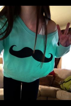 Mint mustache Sweater ✌