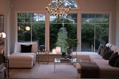 En fredag hemma! Living Room Interior, Home Living Room, Glass Room, Minimalist Home Decor, Beautiful Interior Design, Layout, Home Fashion, Fashion Decor, Apartment Design