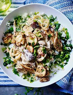 Mustardy mushroom stroganoff - a delicious vegetarian dinner that is so quick to make!