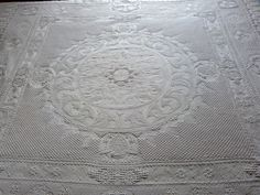 Antique French white bedspread Provencal quilted throw quilt coverlet blanket…