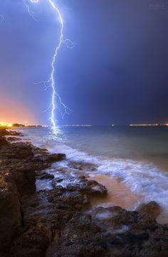 Lightning II by waleedp