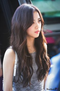 Read ♡ Tipo ideal da Jisoo ♡ {BLACKPINK} from the story Tipo Ideal dos k-idols by heygigialmeida (Giovanna Almeida) with 998 reads. Blackpink Jisoo, Kim Jennie, Kpop Girl Groups, Korean Girl Groups, Kpop Girls, Divas, Mamamoo, Forever Young, Black Pink ジス