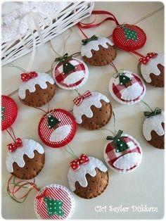 felt holiday crafts | Felt Christmas ornaments | DIY + Crafts ::: Artesanato by charlotte