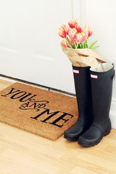 Black hunter boots and that door mat Up House, Cozy House, Black Hunter Boots, Decoration Table, Humble Abode, My Dream Home, Home Goods, Georgia, Sweet Home