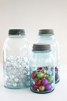 I actually did this with little canning jars and small sparkly ornaments and it turned out cute! All Things Christmas, Holiday Fun, Christmas Holidays, Merry Christmas, Christmas Decorations, Christmas Jars, Christmas Is Coming, Xmas, Mason Jar Gifts