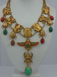 ASKEW LONDON 'EGYPTIAN REVIVAL' WINGED SCARAB DROP NECKLACE