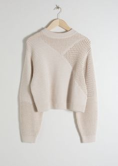 Mixed Texture Cotton Sweater - Cream - Sweaters - & Other Stories Source by tivonista Cream Sweater, Cotton Sweater, Wool Sweaters, Outfits For Teens, Cute Outfits, Winter Fashion Casual, Casual Winter, Vogue, Fashion Story