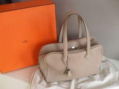 Orig. Hermès VICTORIA II Bag Clémence Taurillon Leder gris tourterelle NEU in Kleidung & Accessoires, Damentaschen | eBay