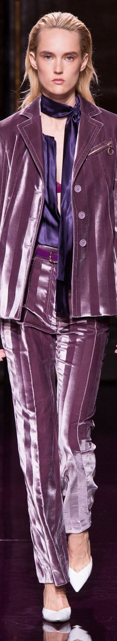 Looking for more Purple fashion & street style ideas? Check out my board: Purple Street Style by Street Style // Purple Fashion // Spring Outfit Nina Ricci - Spring 2017 Spring Fashion Outfits, Fashion 2017, Runway Fashion, Fashion Show, Fashion Glamour, Fall Fashion, Style Fashion, Shades Of Maroon, Shades Of Purple