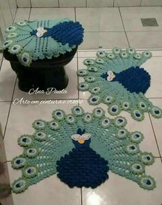 Absolutely stunning round carpet in), doily rug, mint color carpet Shabby chic, rug for the livi - DiyForYou Tapete Doily, Doily Rug, Crochet Doilies, Crochet Flowers, Peacock Crochet, Crochet Carpet, Crochet Home, Free Crochet, Knit Crochet