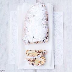 Christmas bread with almond - stollen recipe in English - kerststol met spijs en cranberries, recept ook in het Nederlands