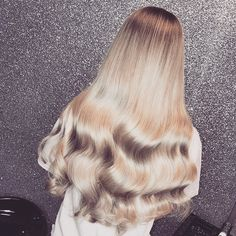 Your Fastest and Easiest Way to Voluminous Hair: Clip-In One-Piece Hair Extensions – Hair Extensions Remy Voluminous Hair, Shiny Hair, Hair Dos, Gorgeous Hair, Pretty Hairstyles, Hair Pieces, Dyed Hair, Hair Inspiration, Blonde Hair