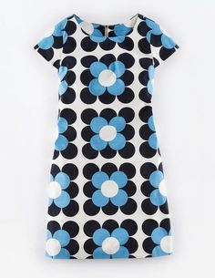 Fashion Tips Casual Harriet Shift dress from Boden.Fashion Tips Casual Harriet Shift dress from Boden Sixties Fashion, Mod Fashion, Vintage Fashion, Classy Fashion, Fashion Hacks, French Fashion, Fashion Tips, Women's Dresses, Fashion Dresses