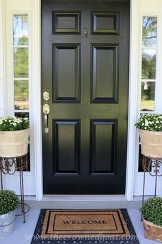 Non-Fade Front Door Paint with Modern Masters | Color: Elegant black | Project via The Crowned Goat Black Front Doors, Modern Front Door, Painted Front Doors, Front Door Design, Black Exterior Doors, Exterior Windows, Door Paint Colors, Front Door Colors, The Doors