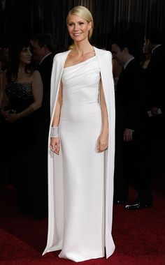 Gwyneth on the #Oscars red carpet.