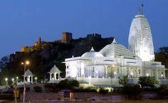 Birla temple in Jaipur city is  very popular tourist destination in India.
