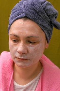 How to Make a Homemade Facial Mask Cream