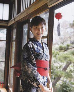 Haruka Ayase (ins kimono) Beautiful Japanese Girl, Japanese Beauty, Asian Beauty, Kimono Fashion, Star Fashion, Women's Fashion, Cute Kimonos, Oriental, Beauty