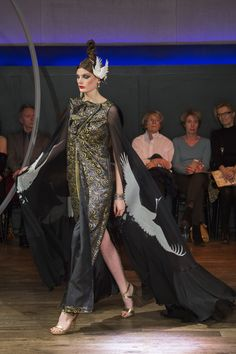 Yumi Katsura Paris Couture Collection SS 2016 Dress with flowing water pattern,and gown with crane motif,made of a new material developed by Toyo Aluminium/new material with japanese traditional pattern   http://www.yumikatsurafrance.com