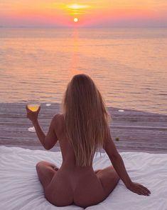Daily Afternoon Randomness in HQ Photos) The Grinch, Bikini 2018, Foto Art, Nice Asses, Sensual, Hot Girls, Sexy Women, Beautiful Women, Beautiful Sunset