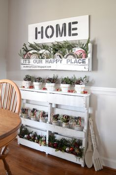 DIY pallet storage - great for a tight spot