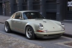 Singer Porsche 911 http://coolhdcarwallpapers.com/porsche-wallpapers