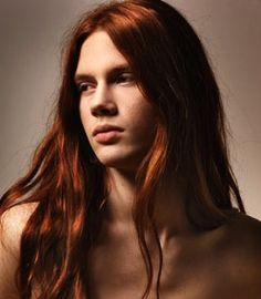Google képkeresési találat: http://www.guyslonghair.com/photos/undefined/long_haired_red_hairstyle_men_guy-1.jpg