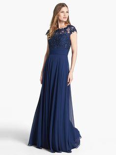 A-Line/Princess Short Sleeves Bateau Applique Chiffon Floor-Length Dresses
